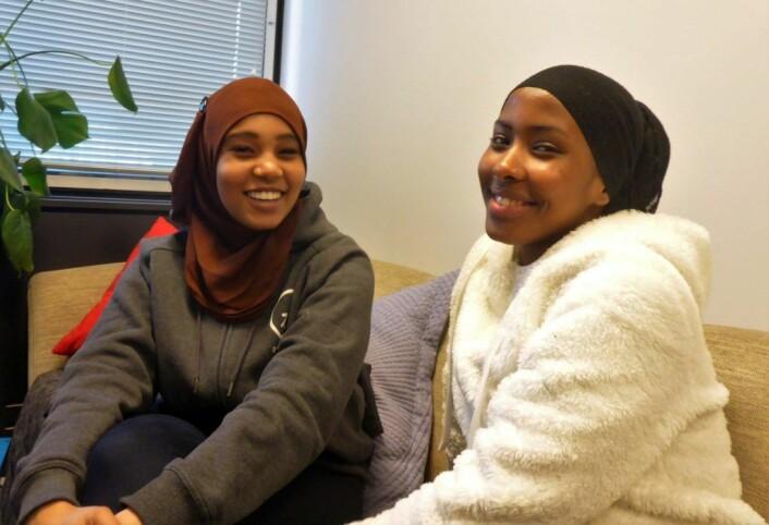 Nasrin Adam og Samira Alideq inspirerte med sine fortellinger om møtet med jobbsøkingen. Foto: Anders Høilund