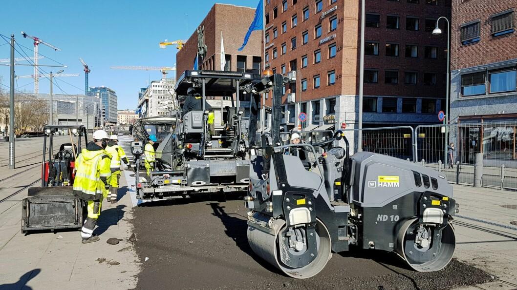 Selveste Rådhusplassen får nå sykkelvei. Et klart tegn på at hele Oslo nå får sykkeltraseer. Foto: Statens vegvesen