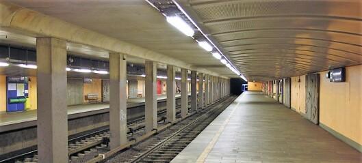 Masseslagsmål ved Lindeberg T-banestasjon i ettermiddagsrushet