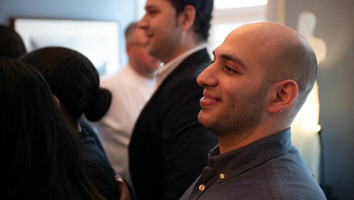 Mahmoud holdt en tale hvor han takket lærerne ved Etterstad videregående skole og kollegene. Foto: Thor Langfeldt