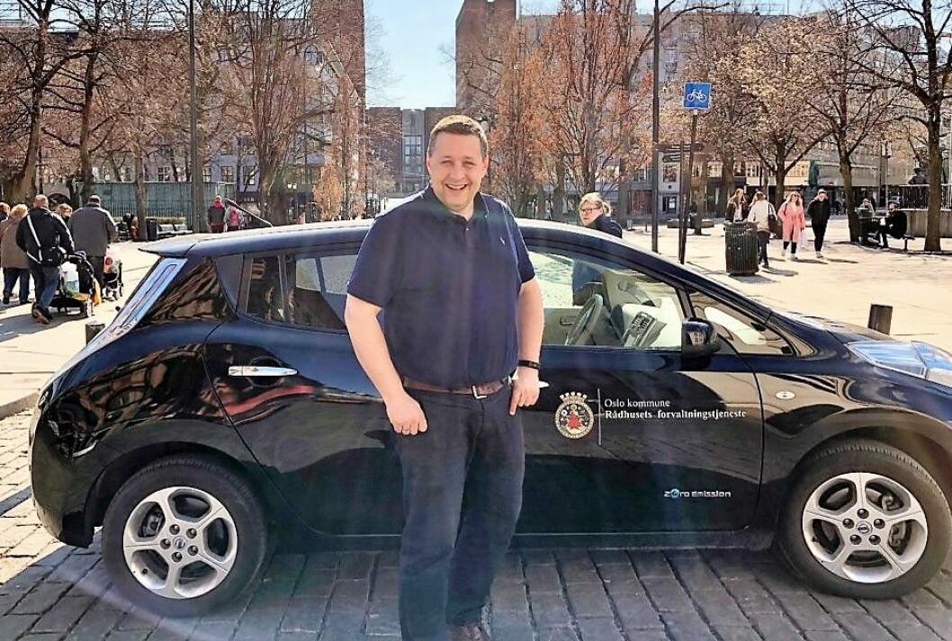 KrFs førstekandidat ved kommunevalget, Espen Andreas Hasle, foreslår at Oslo kommune deler sine tjenestebiler med befolkningen i hovedstaden når de ikke brukes av kommunens folk. Foto: Vegard Heldal