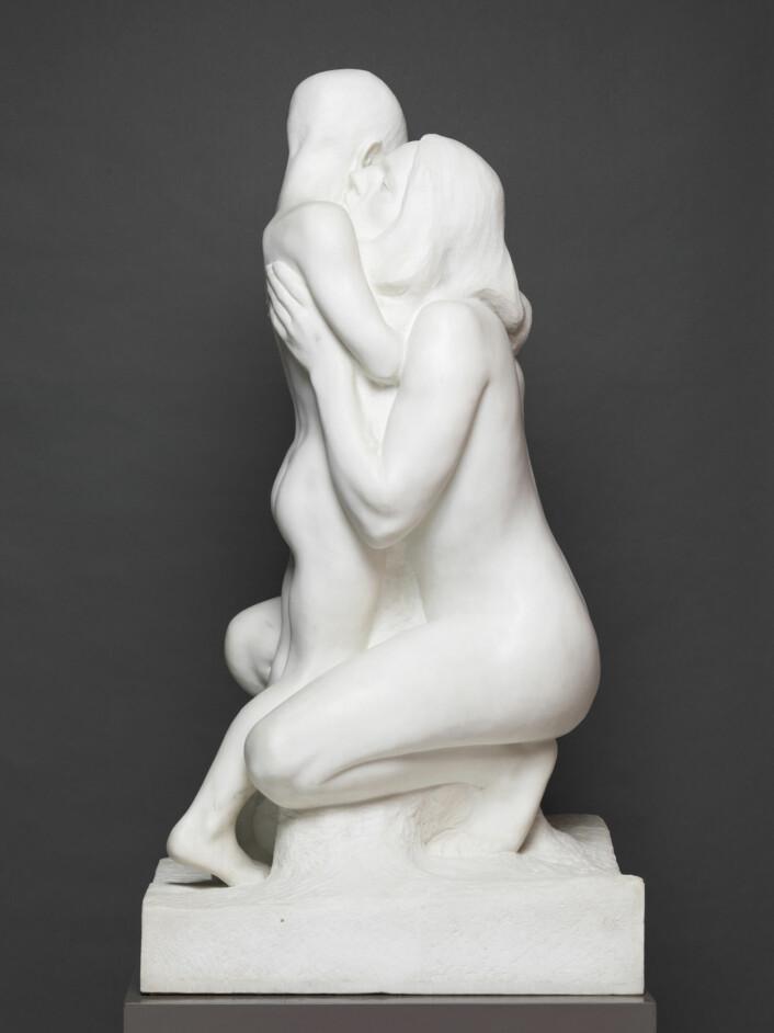 """Vigelands skulptur """"Mor og barn"""", laget før 1900. Foto: Vigeland-museet"""