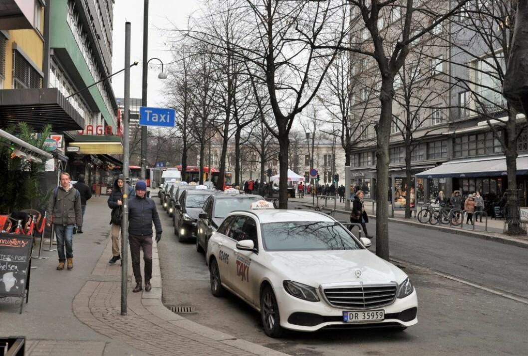 Regjeringens taxireform får strykkarakter i en TØI-rapport. � Lønns- og arbeidsvilkår er i utgangspunktet dårlige og vil gå fra vondt til verre, sier forsker Jørgen Aarhaug. Foto: Arnsten Linstad