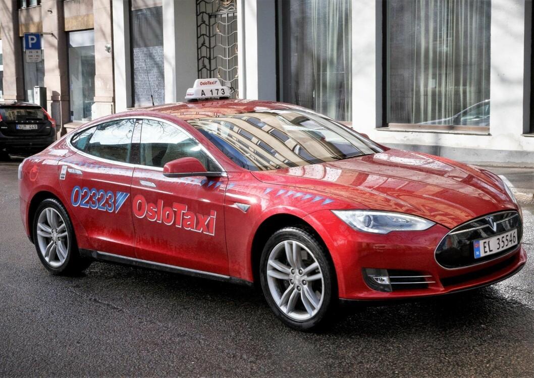 Regjeringens taxireform får strykkarakter i en TØI-rapport publisert mandag. Likevel mener Oslo Frp at liberalisering av drosjenæringen er best for både bransjen og kundene. Foto: Heiko Junge / NTB scanpix