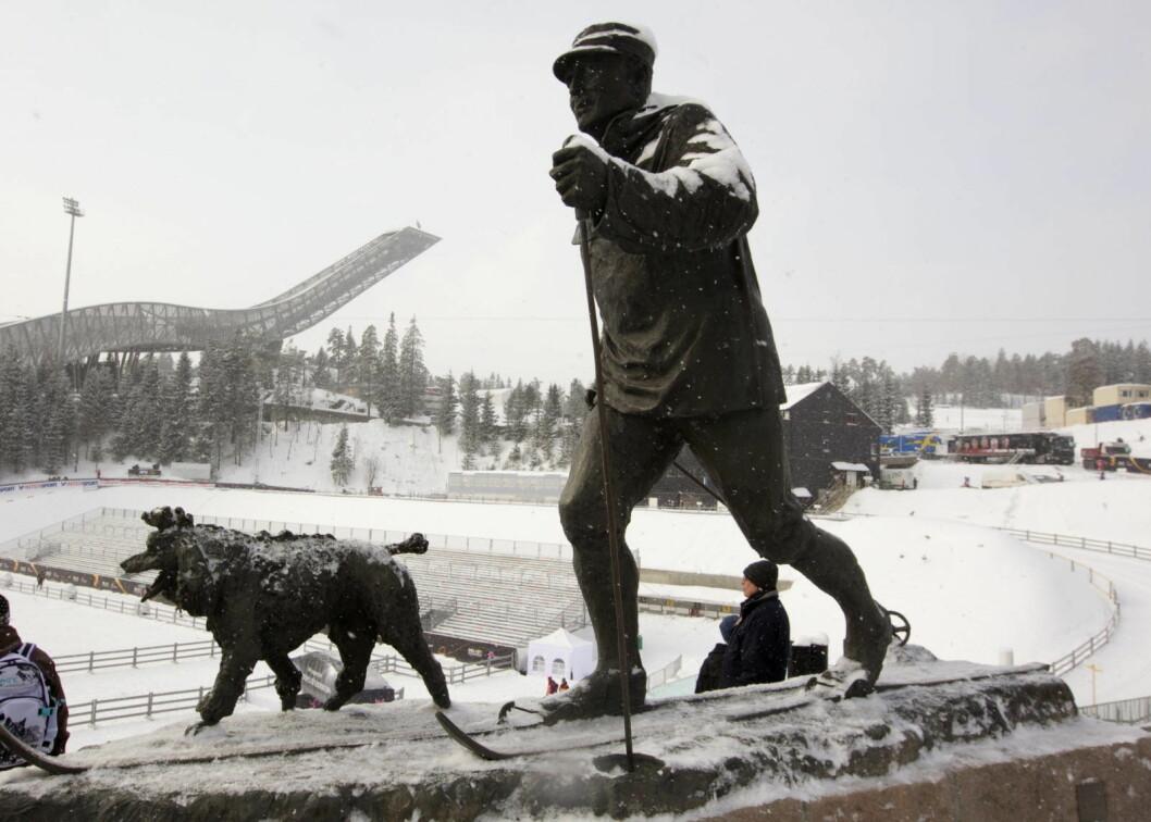Kong Olav var en flittig bruker av Oslo og Nordmarkas skiløyper. Folkekongen var også en svært habil skihopper i sin ungdom. Foto: Terje Bendiksby / Scanpix