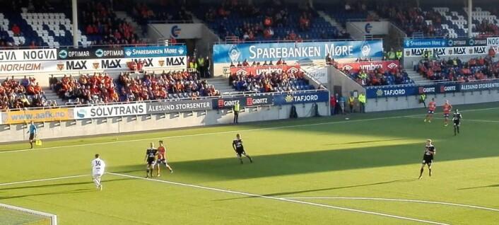 Skeid i svarte bortedrakter kom til kort mot hardt satsende Aalesund FK foran noe over 4.000 tilskuere på Color Line stadion. Foto: Kim Aarli Larsen
