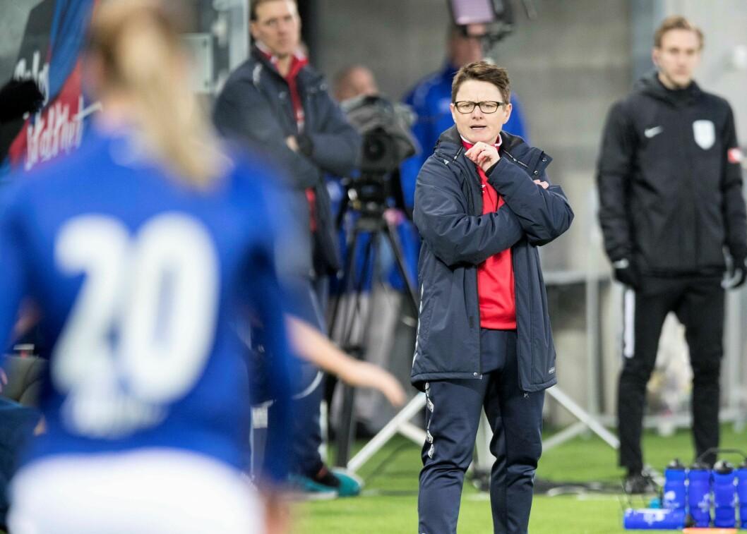 Monica Knudsen og Vålerengas damelag i Toppserien hadde full pott på tre kamper før de møtte Avaldsnes. Foto: Terje Pedersen / NTB scanpix