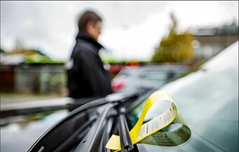 To menn banket opp parkeringsvakt etter de fikk bot