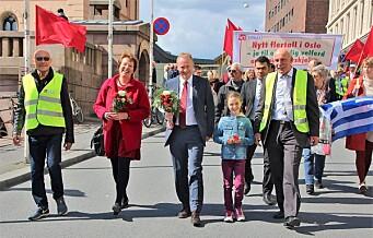 Valget preger årets 1. mai på Youngstorget. Se alle parolene og hele programmet