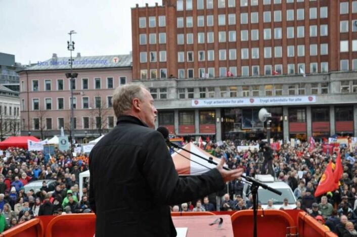 Byrådsleder Raymond Johansen (Ap) var hovedtaler på Youngstorget også 1. mai i fjor. Foto: Arnsten Linstad