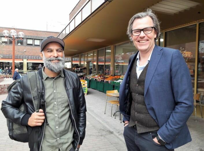 Vidar Singh og Øystein Aurlien på vei inn til Tøyen Torgforening årsmøte. Foto: Anders Høilund