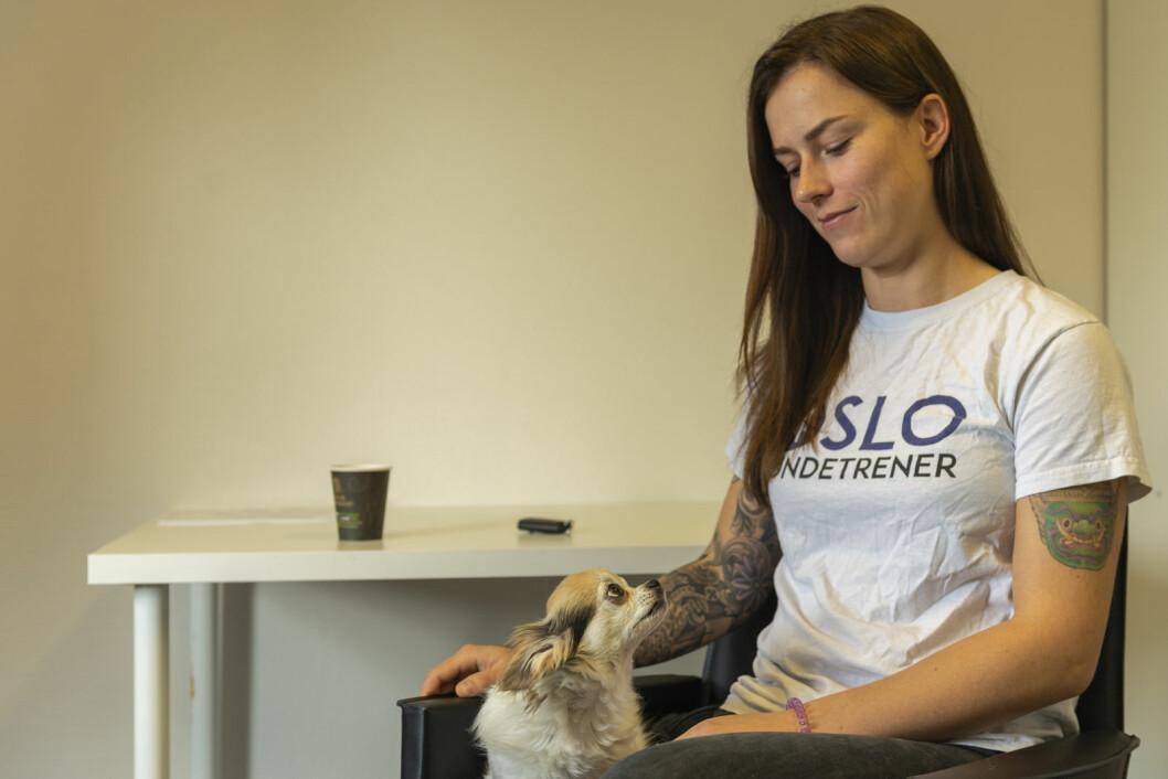 Når hund og eier forstår hverandre, har de det bedre sammen, mener Stina Fure. Foto: Morten Lauveng Jørgensen