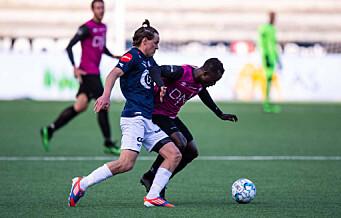 Mohammed Abu utvist etter to gule på to minutter. Men Vålerenga kapret likevel poeng i Stavanger