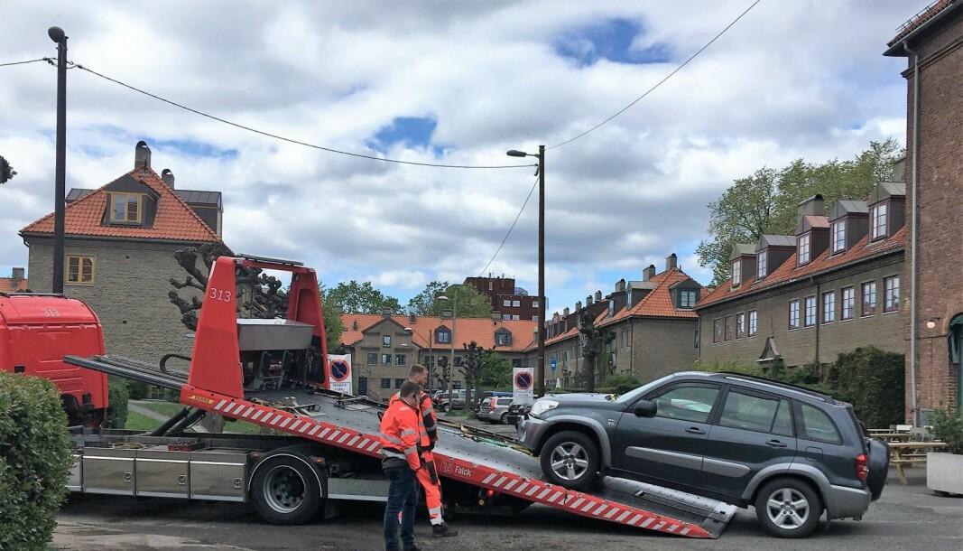 Hvert år taues 3000 biler i forbindelse med vårrengjøringen. Her i Tore Hunds vei på Lille Tøyen.