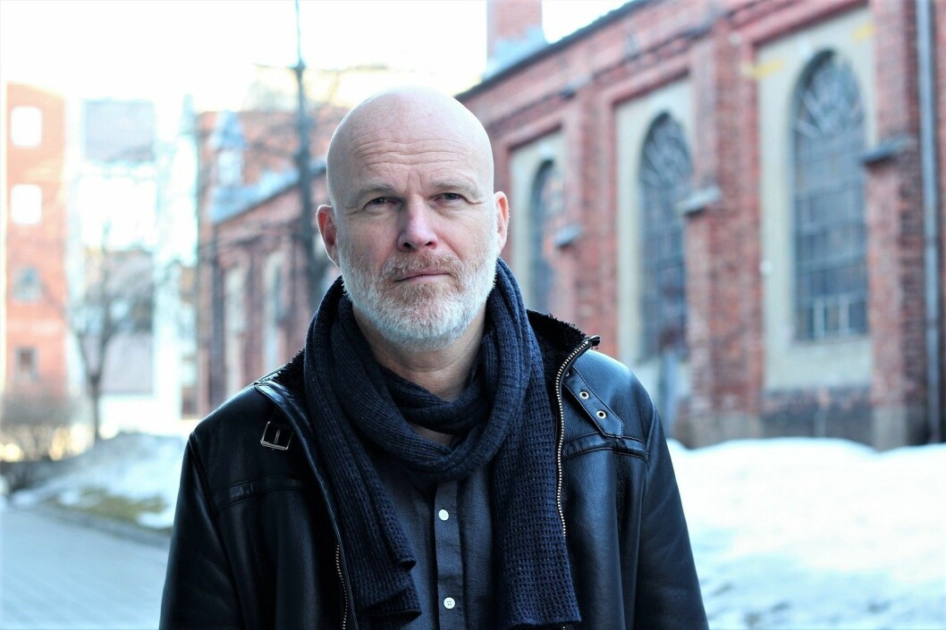 — Festivalen på Tøyen er mitt forsøk på å sette fokus på noe som jeg mener er en av de store samfunnsutfordringene vi har i dag, sier forfatter Arne Svingen. 14. og 15 mai er det egen litteraturfestival for gutter i Biblio på Tøyen. Foto: André Kjernsli