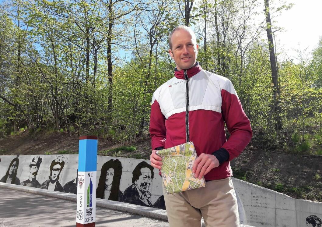 Øivind Due Trier er sjef for Stolpejakten Oslo nord. 197 stolper har han satt ut i seks bydeler. Foto: Anders Høilund