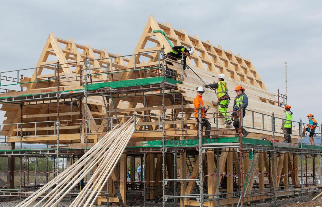 Felleshuset på Fornebu bygges nå og skal stå klart i andre halvdel av mai. Foto: Johanne Nyborg