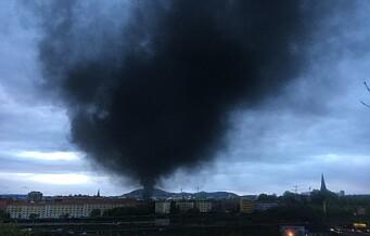 110-sentral nedringt under brannen på Jordal. Nå mistenker politiet at brannen er påsatt