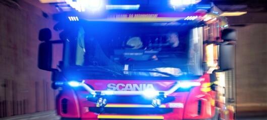Garasjebrann på Kjelsås - minst 30 personer evakuert