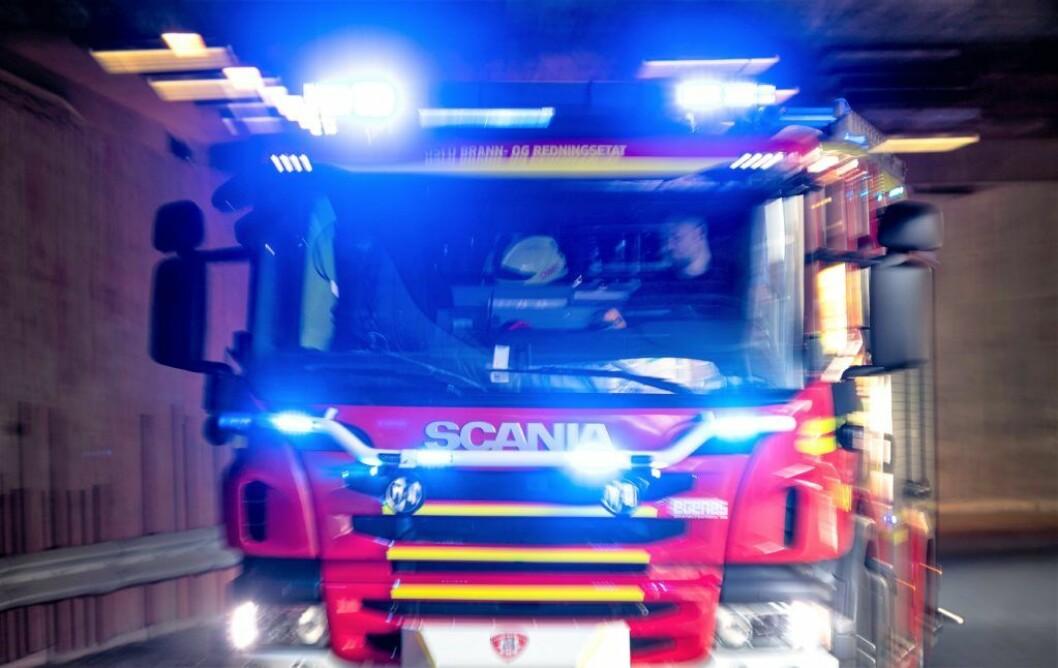 Både brannen i bygningsmaterialer lørdag kveld og brann i en høyblokk i Tvetenveien er trolig påsatt, mener politiet. Foto: Gorm Kallestad / NTB scanpix