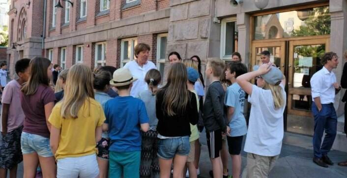 Oslos ordfører Marianne Borgen på besøk ved Bolteløkka skole i fjor høst. Elevene var opptatt av hva ordføreren hadde å si om utvidelse av skolegården. Foto: Christian Boger