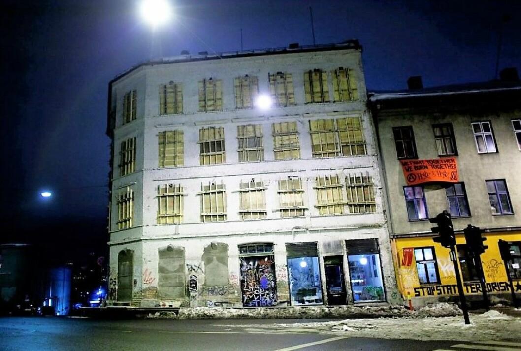 Bystyret vedtok i går kveld å legge til rette for riving av hjørnegården i Hausmanns gate 42. � Dette er et svik og et knefall for kapitalkreftene, sier leder av Rødt i Oslo, Siavash Mobasheri. Foto: Kyrre lien  NTB scanpix
