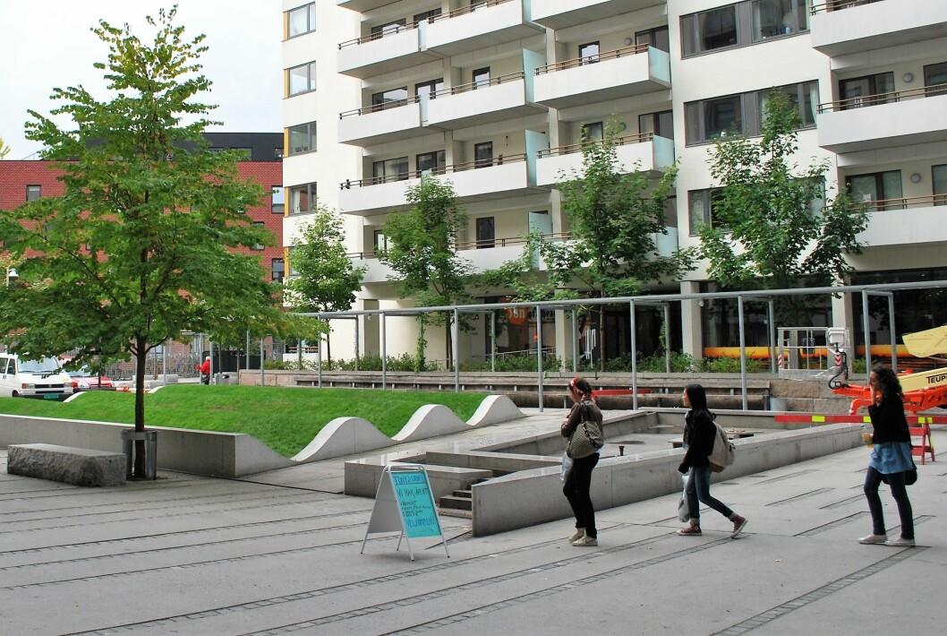 I første kvartal i år kjøpte 9.212 personer i alderen 20 til 39 år sin første bolig. Antallet førstegangskjøpere har økt. Her fra Hospitalplassen i Pilestredet park. Foto: Helge Høifødt / Wikipedia