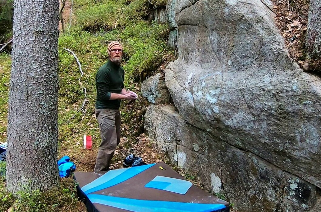 Thoralf Bergersen er mannen som fjernet hatsymbolet ved Speidersteinen. Foto: Thoralf Bergersen