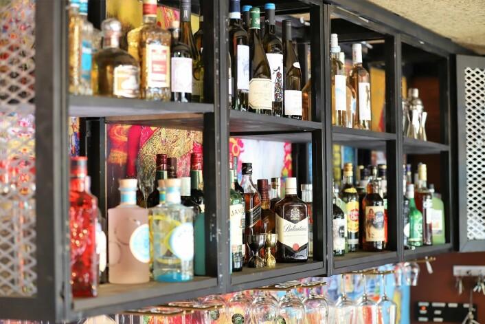 Hos Theka på Grünerløkka kan du i tillegg til god mat også få servert god drikke. Det nyåpnede stedet lokker blant annet med to ølsorter fra Punjab. Foto: André Kjernsli