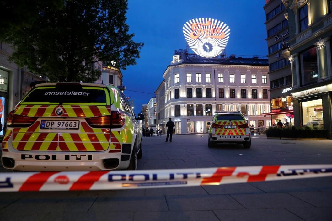 To menn ble onsdag pågrepet av politiet etter at en person ble påført stikkskader i magen på Egertorget i Oslo 17. mai. Foto: Cornelius Poppe / NTB scanpix