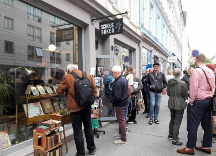 Arbeidernes antikvariat ligger ved Schous plass, i Ratkes gate og er en godtbutikk for de som leter etter arbeiderlitteratur eller musikk. Foto: Anders Høilund