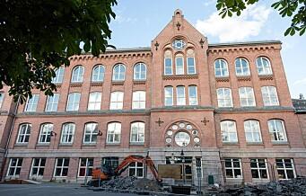 Utdanningsetaten vil at barna på Bolteløkka skal busses til Brynseng skole. Foreldrene kjemper for brakkeskole ved Veterinærhøgskolen