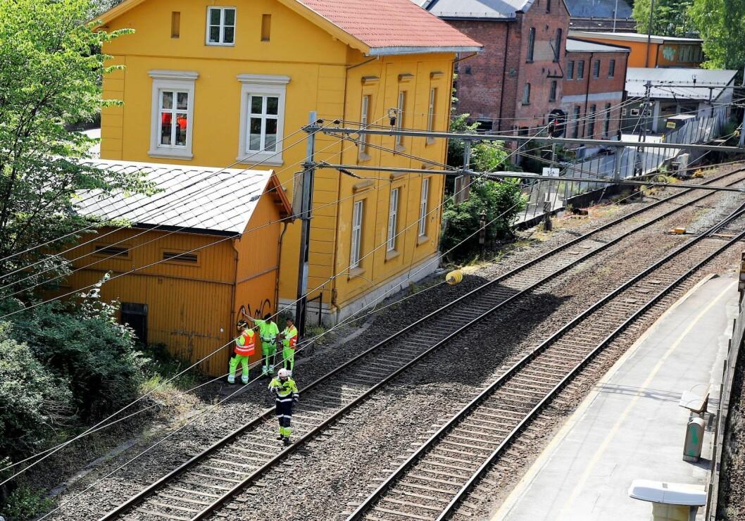 Det er bestilt busser som skal frakte passasjerene videre så snart de er evakuert, opplyser Bane Nor. Arkivfoto: Audun Braastad / NTB scanpix