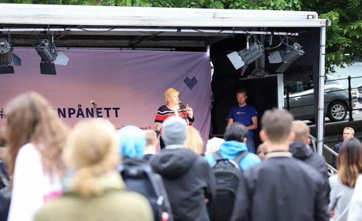 Statsminister Erna Solberg sparket i gang #ruskenpånett. Foto: André Kjernsli