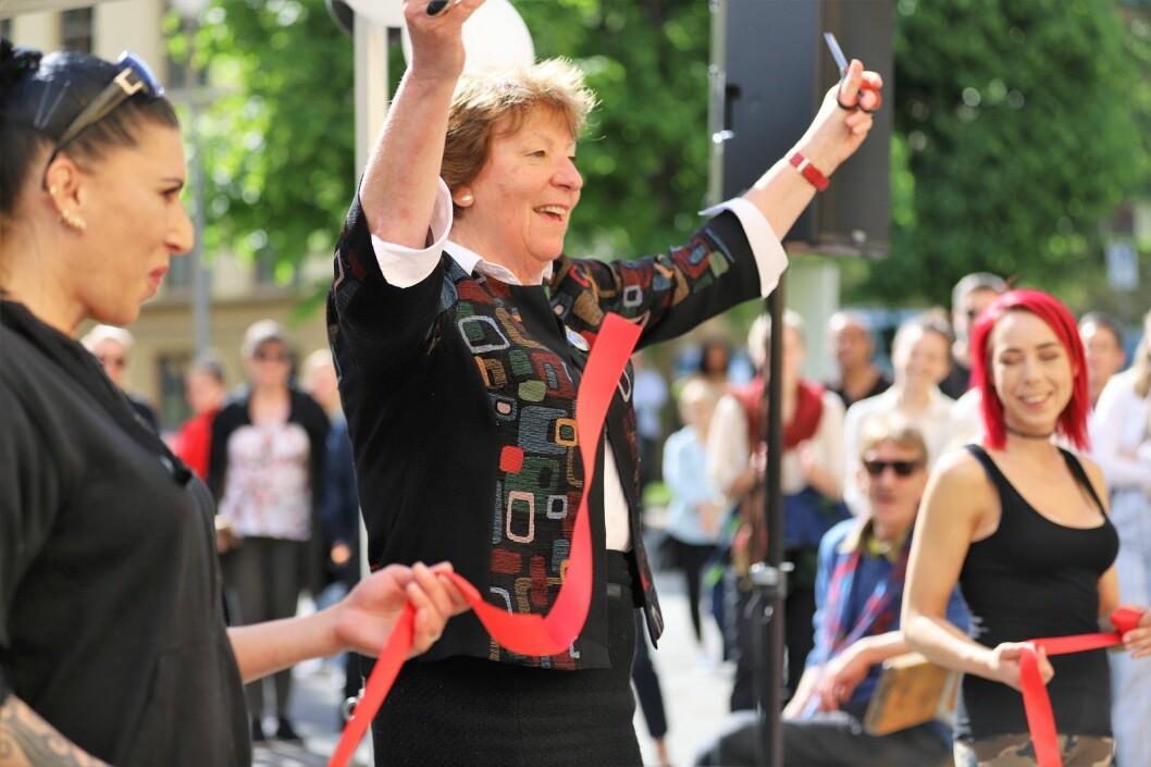 Ordfører Marianne Borgen fikk æren av å åpne =KAFFE på Lovisenberg sykehus. Foto: André Kjernsli
