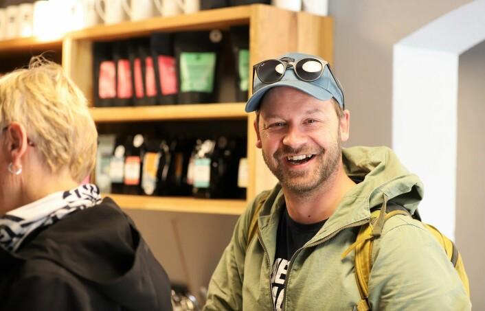 Petter Nyquist var en av mange som sto i kaffekø denne dagen. Foto: André Kjernsli