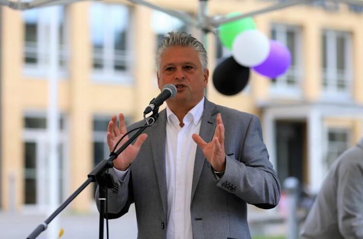 Vidar Haukeland er direktør for Stiftelsen Diakonissehuset Lovisenberg. Han var glad for å få =Kaffe på plass. Foto: André Kjernsli