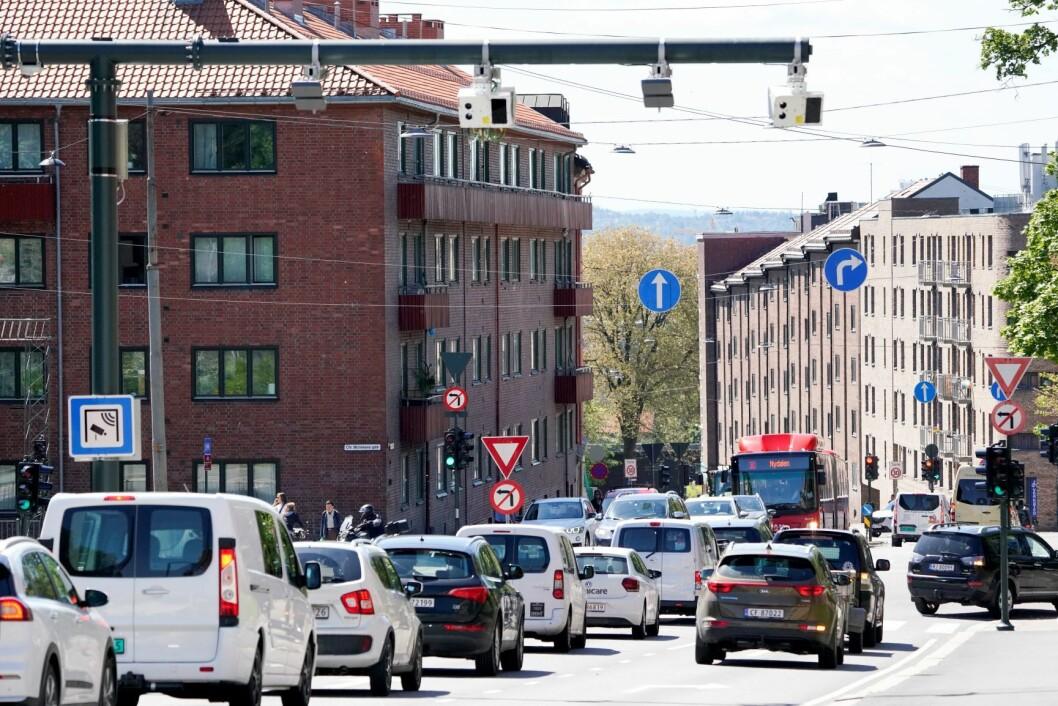 Fra 1. juni ble det et helt nytt bompengesystem i Oslo. Innkrevingen av bompenger fordeles på tre bomringer med totalt 83 bomstasjoner. Her er en av de nye som er montert i Fagerheimgata. Foto: Fredrik Hagen / NTB scanpix