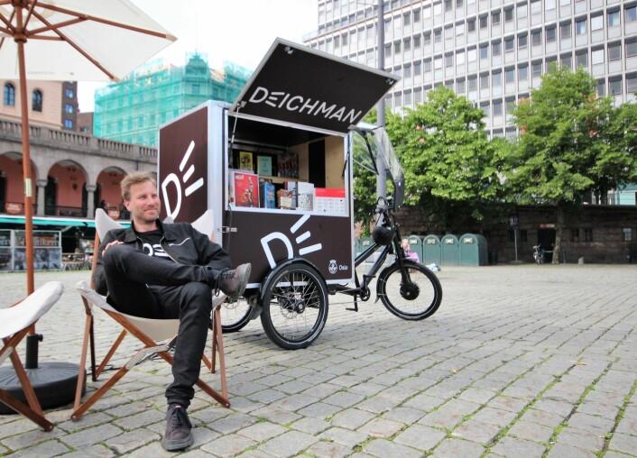 Camp Deichman er et rullende utendørsbibliotek som forflytter seg rundt i Oslo i hele sommer. Foto: André Kjernsli