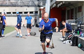 Daniel Sørvik og VIF hockey i beinhard trening på Frogner stadion når andre planlegger ferie