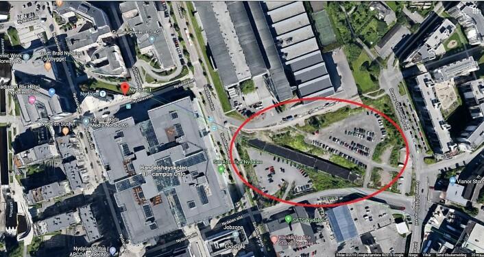 Her ønsker Torger Kjeldstad og mange andre i Nydalen seg en park. Foto: Google maps