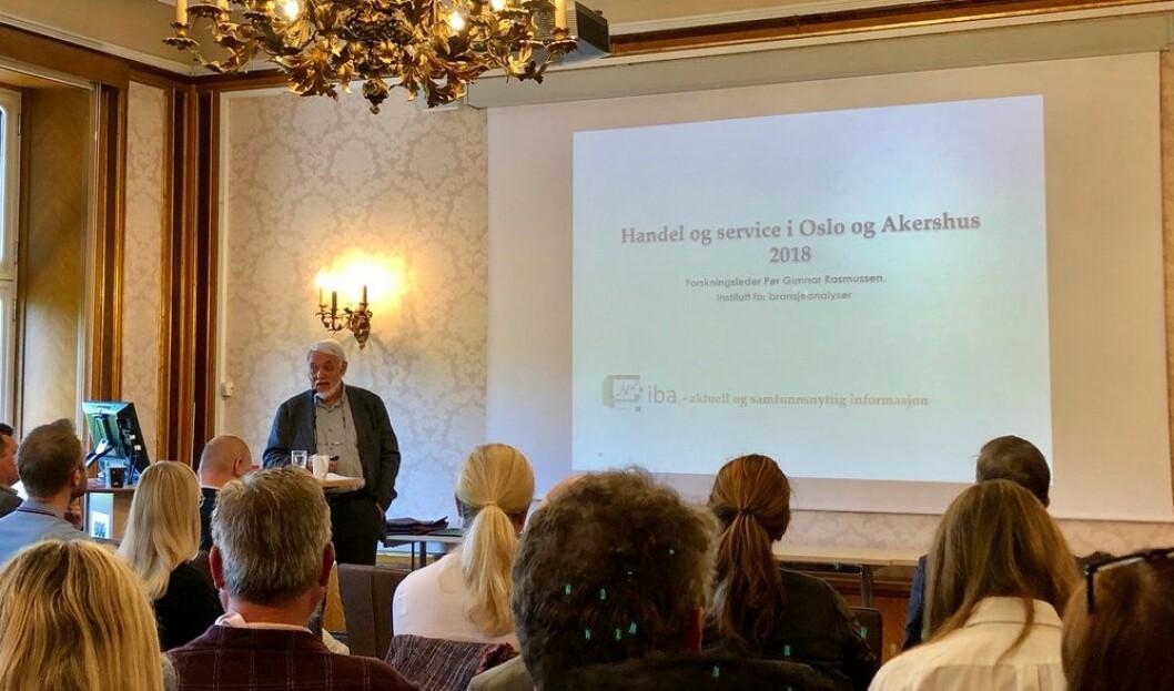 Per Gunnar Rasmussen (IBA) presenterer Osloanalysen hos OHF, for 30. gang. Foto: Øystein Aurlien