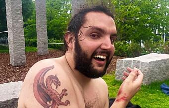 Marin (26) og Mateo (30) badet i Akerselva før flomregnet. Ble sugd nedover strykene av kraftig strøm
