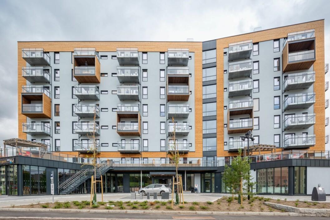 Nye Årvoll omsorgssenter Bygningen har åtte etasjer, to kjellere og en teknisk toppetasje. Foto: Dmitry Tkachenko