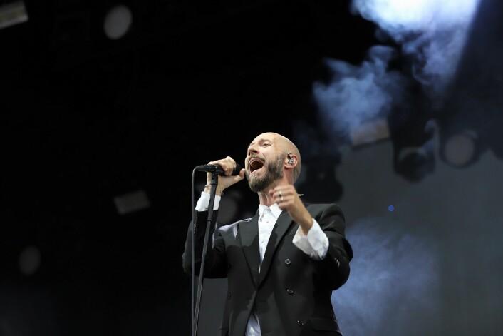 Sivert Høyem sang nok litt for Robert Burås i gar kveld. Foto: André Kjernsli