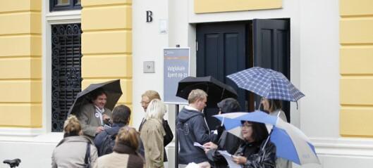 Rødt Grünerløkka vil ha slutt på at partiene står med valglister utenfor stemmelokalet