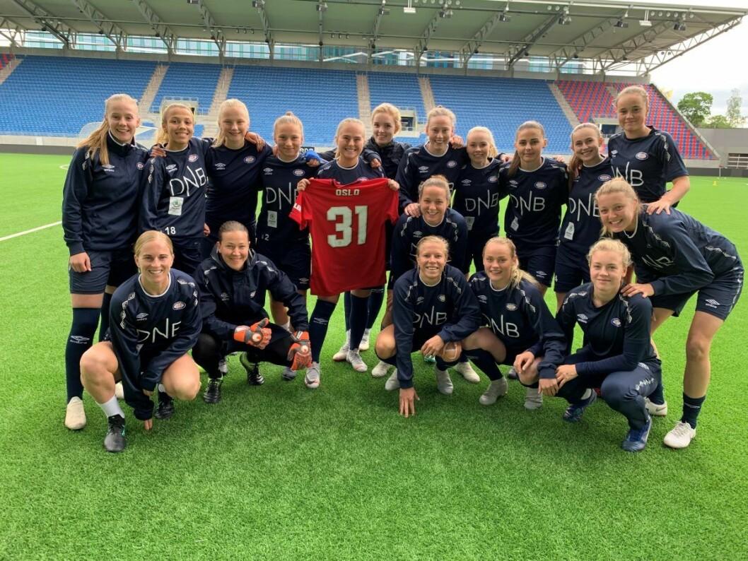 Vålerenga-jentene kan gjede seg over å få danske Jack Majgaard Jensen som ny hovedtrener neste sesong. Foto: Jens August Dalsegg / Vålerenga fotball