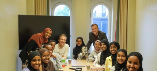 Ungdommer fra Tøyen fikk besøke Marian på Stortinget. – Mange var nysgjerrige på hvordan jeg klarte å havne her