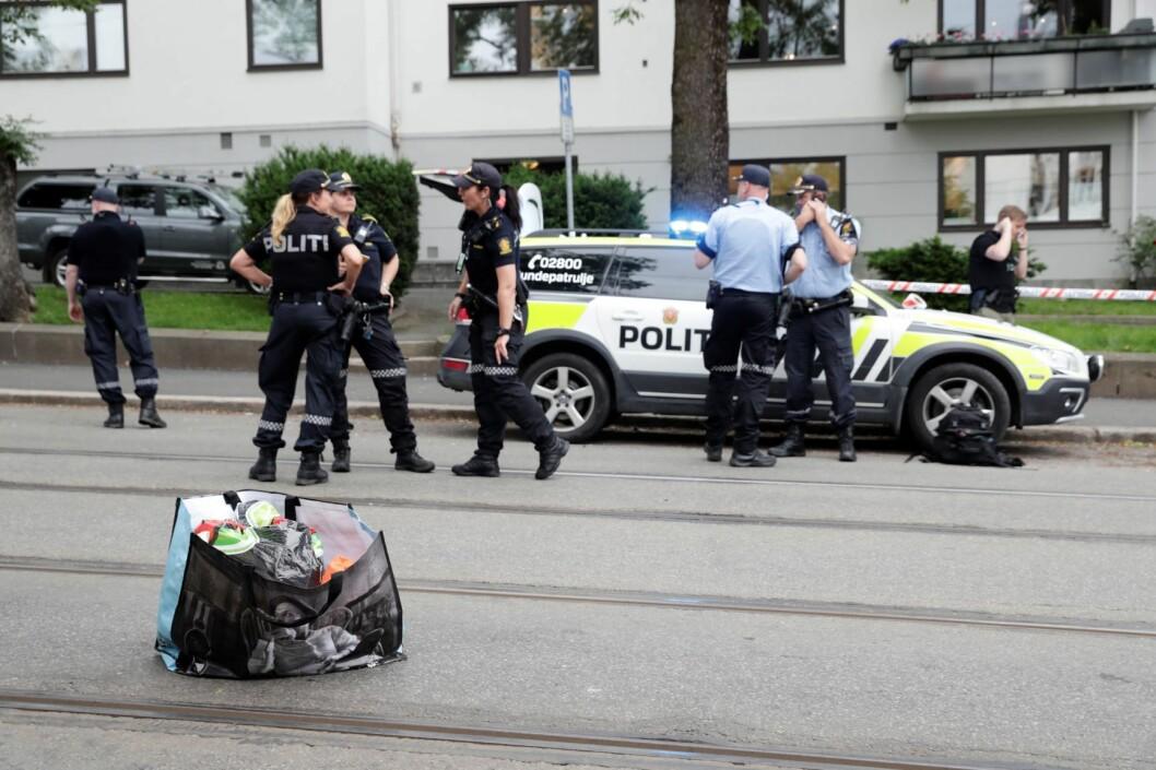 Mannen som truet en trikkefører med kniv ved Solli plass, ble innhentet av flere politipatruljer ved Skillebekk. Foto: Berit Roald / NTB scanpix