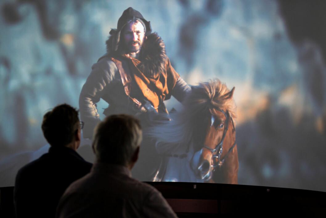 Vikinghistorien blir fortalt ved hjelp av moderne teknologi og storslåtte framvisninger. Foto: Morten Lauveng Jørgensen